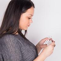 Как вылечить молочницу раз и навсегда: медикаментозно и народными средствами